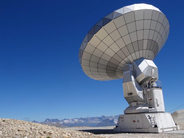 radio-telescope-